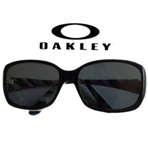 Oakley- Discreet Frames